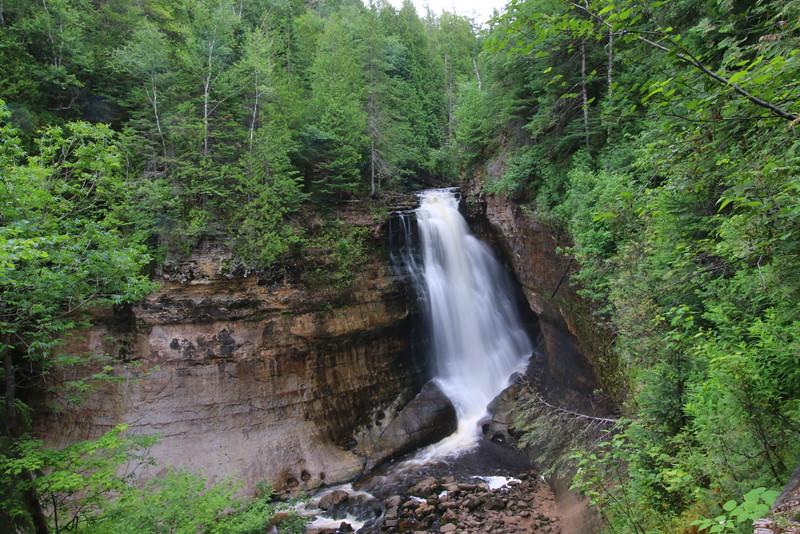 upper-peninsula-20-miners-falls