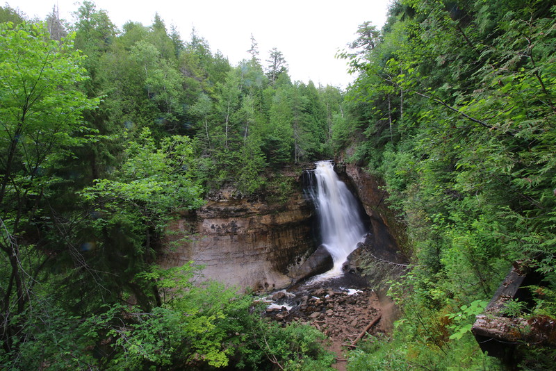 upper-peninsula-18-miners-falls