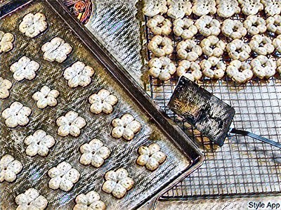 Style - Cookies Fresh Out of the Oven - Jagged