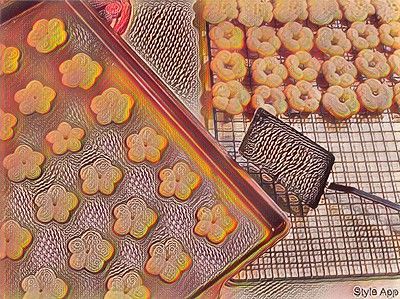 Style - Cookies Fresh Out of the Oven - Wavy Lines