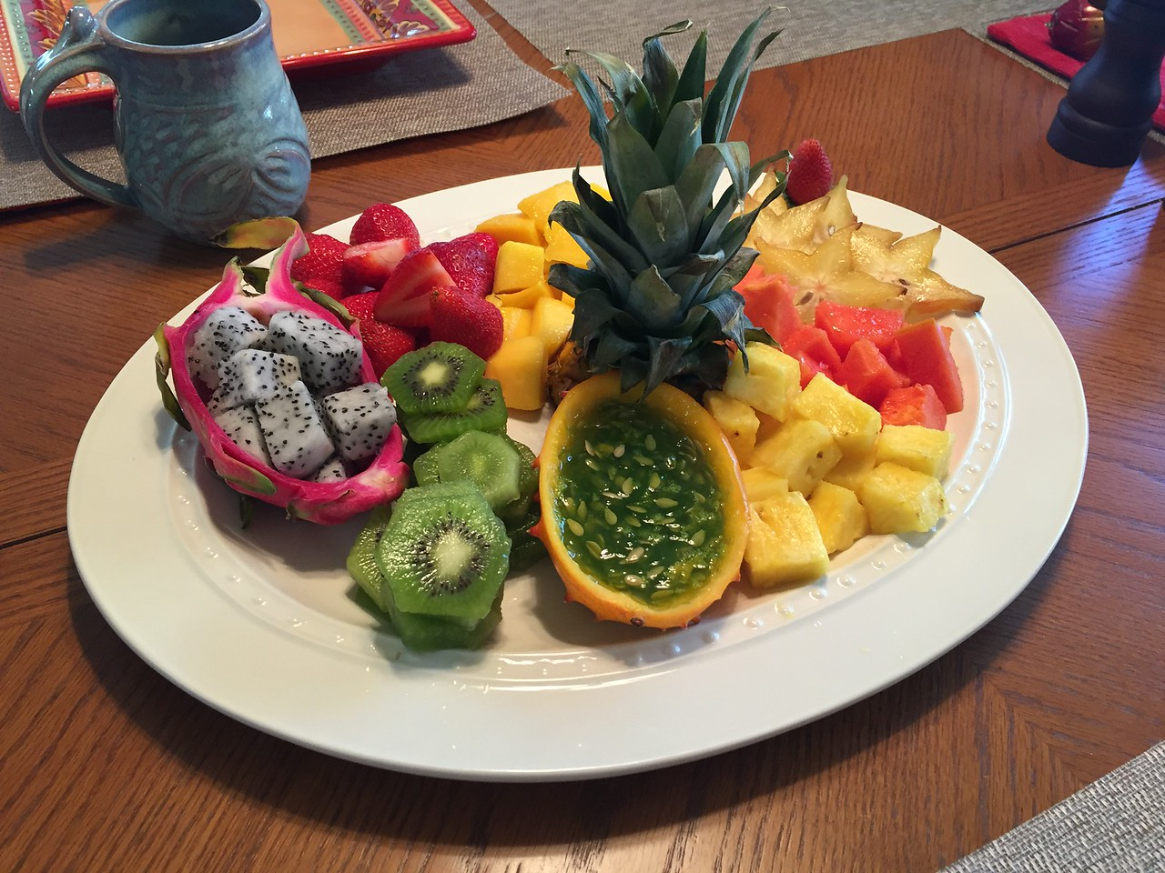 Dragon fruit, strawberries, kiwi, mango, kiwano mellon, star fruit, papaya and piña.
