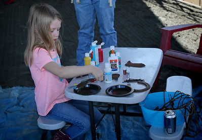 Kids Craft table - horseshoes & metal art to decorate.