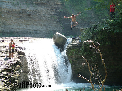 Falls Jumper Zoar Valley