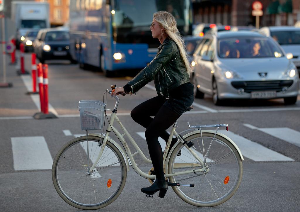 IMAGE: http://photo.mellbin.com/Denmark/Denmark-2011-Copenhagen-1/i-bZrwtpc/0/XL/IMG5313-XL.jpg