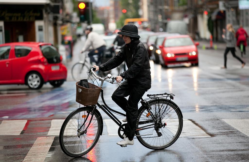 IMAGE: http://photo.mellbin.com/Denmark/Denmark-2011-Copenhagen/i-L367jKT/0/XL/IMG1055-XL.jpg