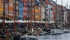 For photo purposes it is nice to have many ships at Nyhavn, but often there are hardly any. The bad weather likely helped  the numbers.