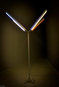 fluorescent light stand