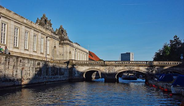 canal-bridge-building-2