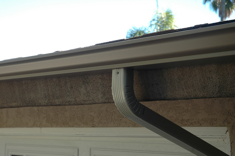 Seamless Aluminum Standard and Custom Rain Gutters