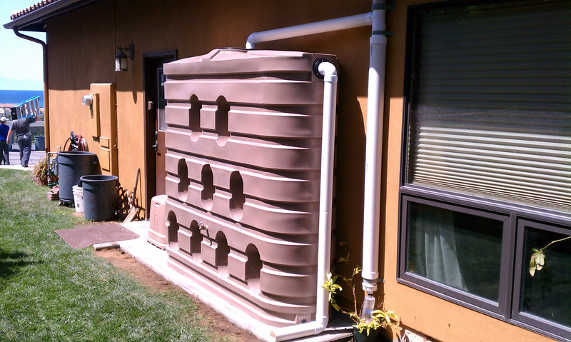 "Completed installation of 620 gallon Bushman slim tank from the side with the overflow.<br /> <br />  <a href=""http://www.rain-watersystems.com/"">http://www.rain-watersystems.com/</a>"