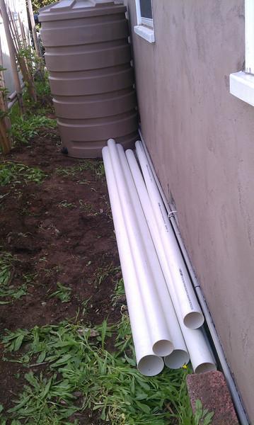 "Solid drain pipe, pre-installation<br /> <br /> <br />  <a href=""http://www.rain-watersystems.com"">http://www.rain-watersystems.com</a>"