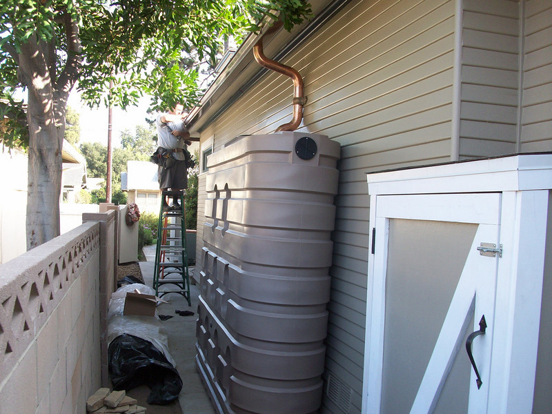 "620 gallon slimline tank with copper gutters in Orange, Ca. <a href=""http://www.rain-watersystems.com/"">http://www.rain-watersystems.com/</a>"