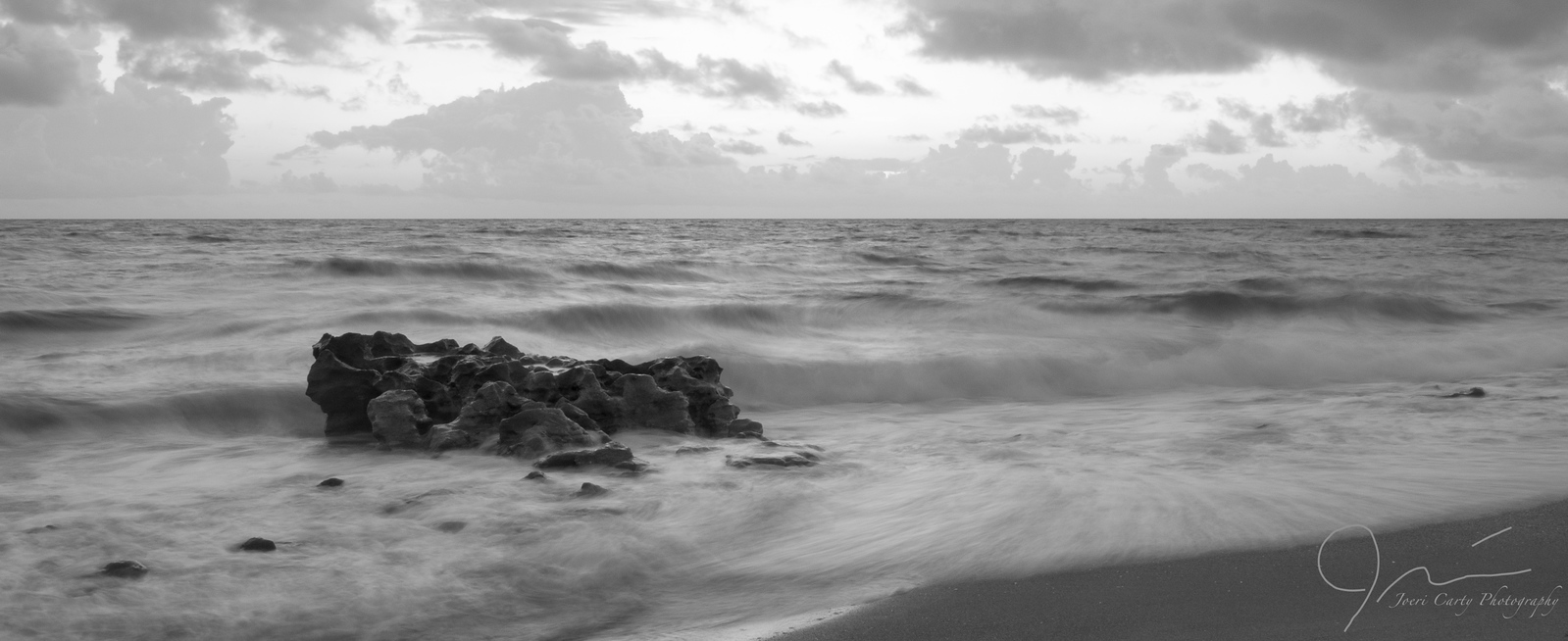 Coral Cay Waves