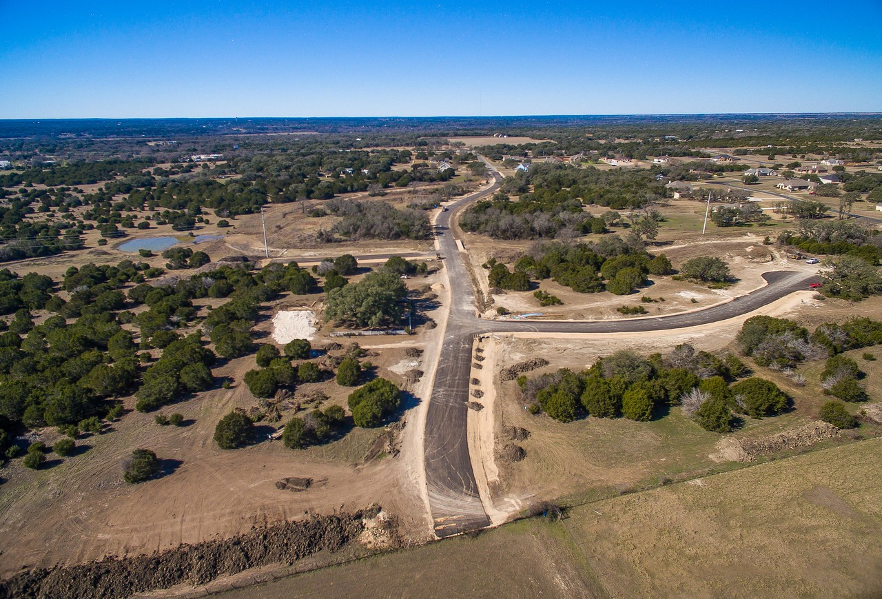 Anciebnt Oaks homes on acreage Liberty Hill TX