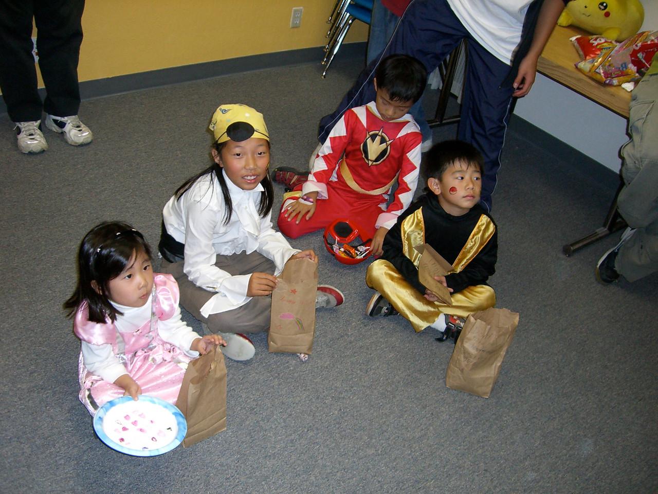 Sugar-free kids play play hangman
