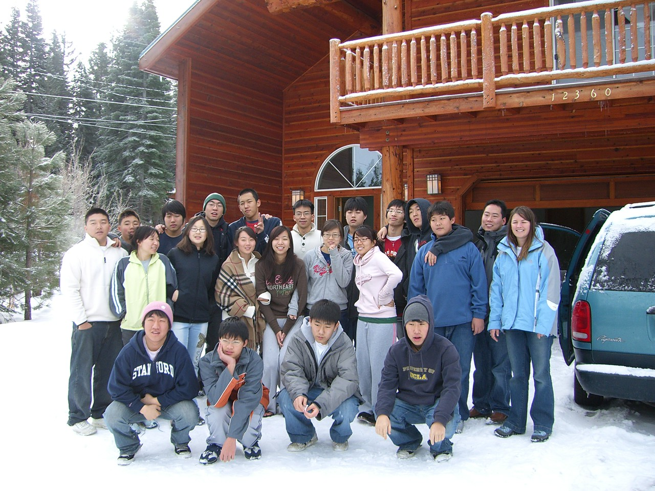 2005 12 29 Thu - End of retreat group pic 1
