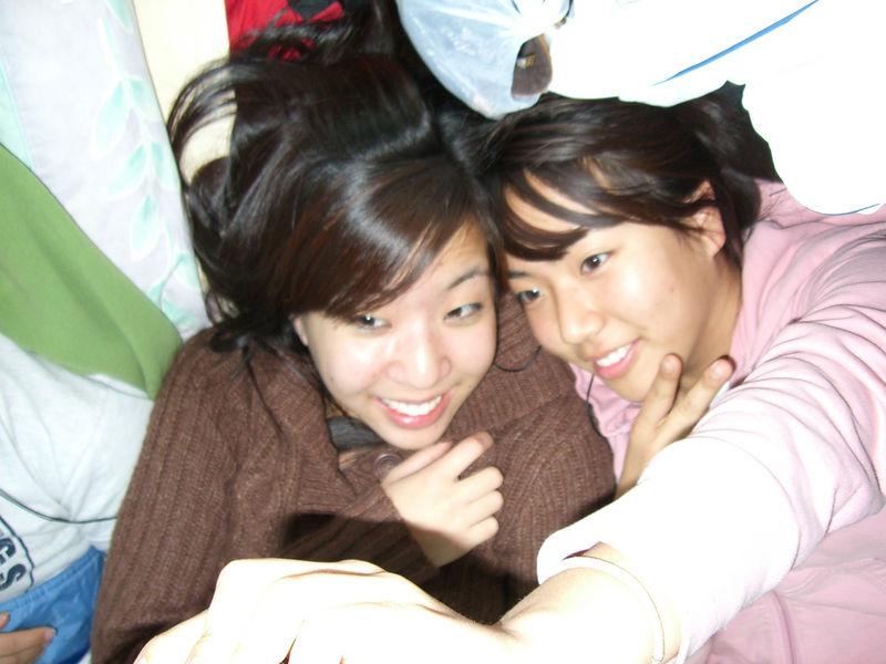 2005 12 26 Mon - Liz Lee & Shinae Kim