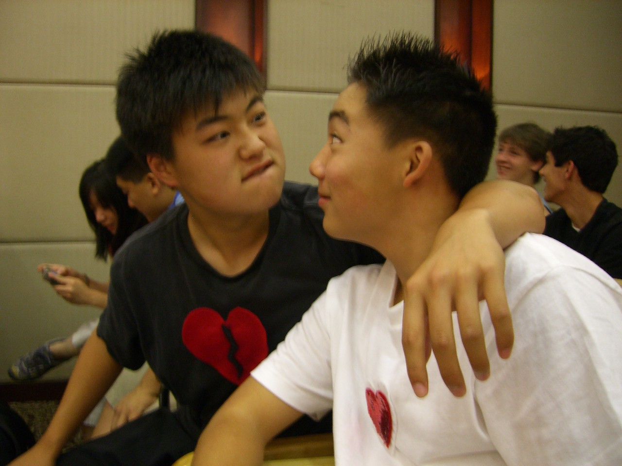 2006 07 16 Sun - Yong Jiang Hotel team prep meeting - Isaac Choi & Philip Lee