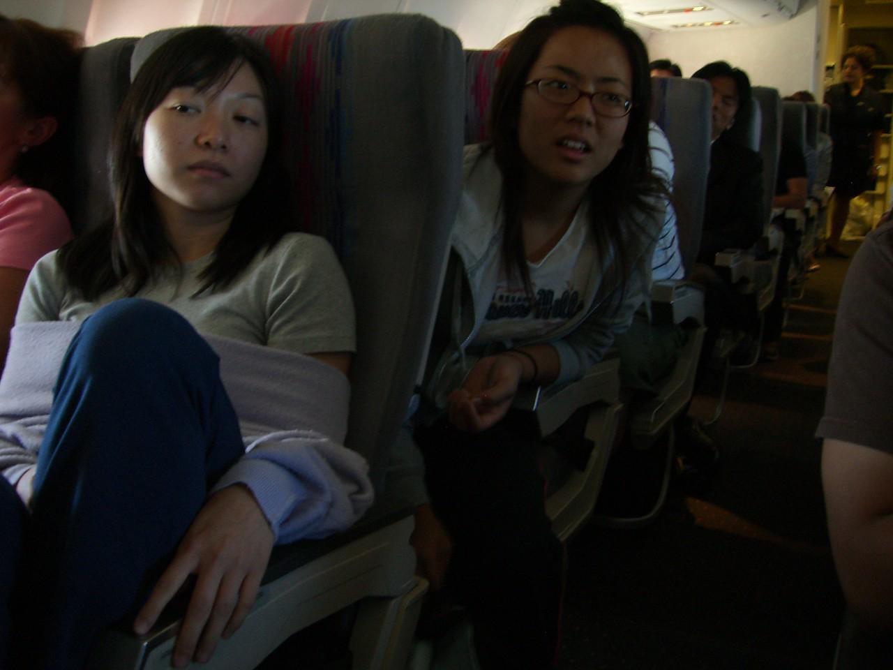 2006 07 12 Wed - Alice Tung & Shinae Kim on the plane