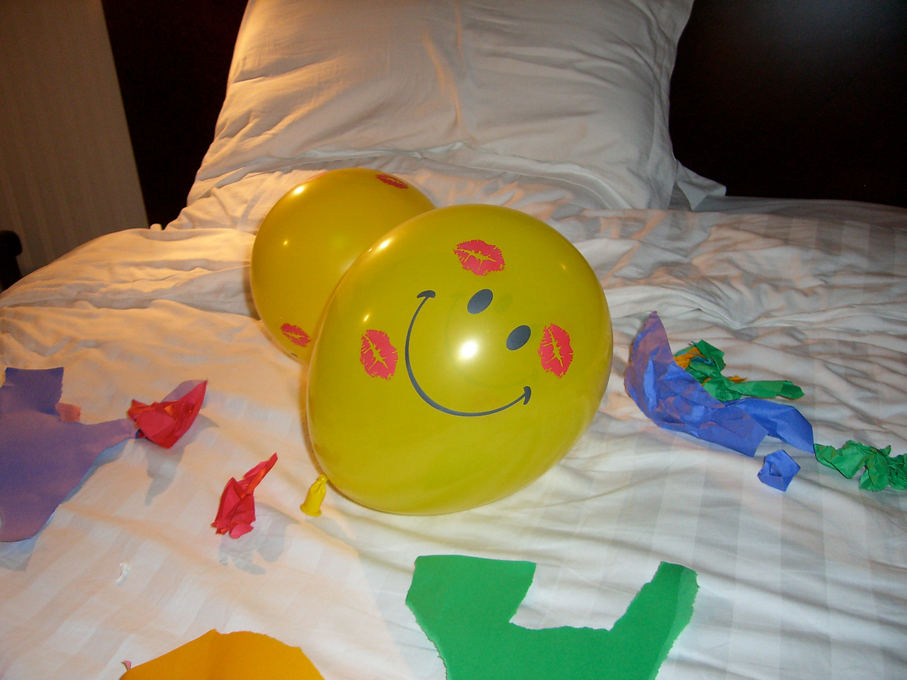 2006 07 15 Sat - Alice Tung's surprise b-day ballons jpg