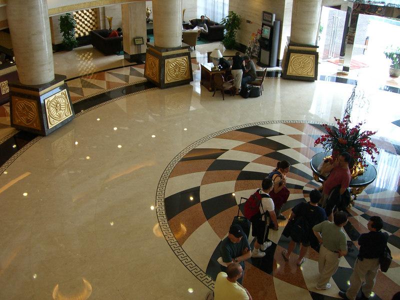 2006 07 16 Sun - Yong Jiang Hotel - Lobby