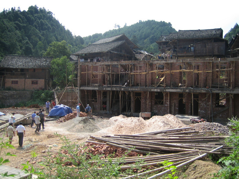 2006 07 30 Sun - Miao village - Progress of the Partners Int'l funded new schoolhouse