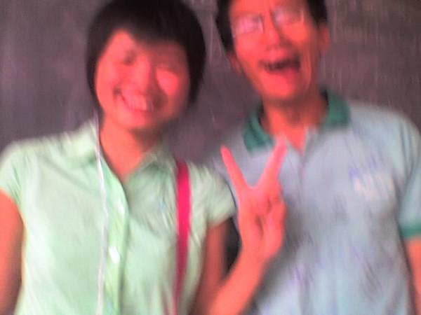 2006 08 08 Tue - Last class hangout - Lois & Ben Yu