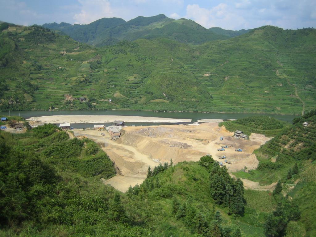 2006 07 30 Sun - Miao village - Overlooking site of new Jian He high school