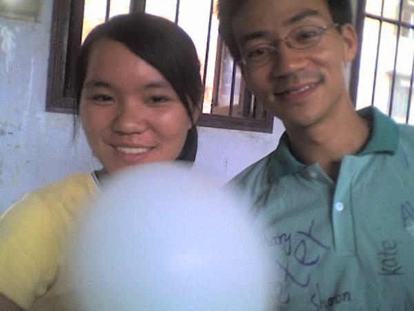 2006 08 08 Tue - Last class hangout - Amy & Ben Yu 1