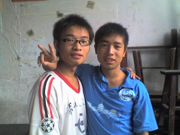 2006 08 08 Tue - Last class hangout - John & James
