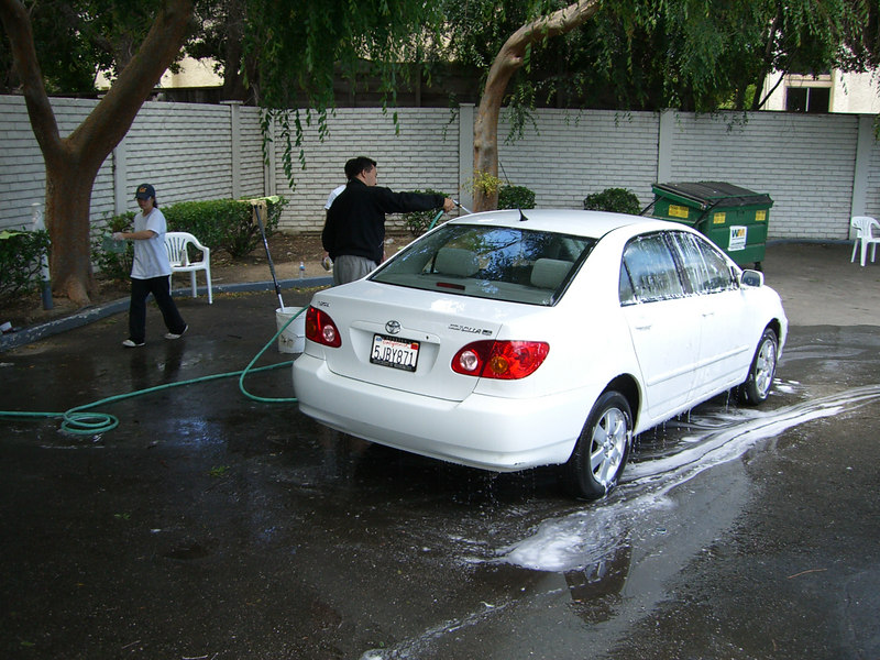 2006 05 27 Sat - Washing Nan Lee's car