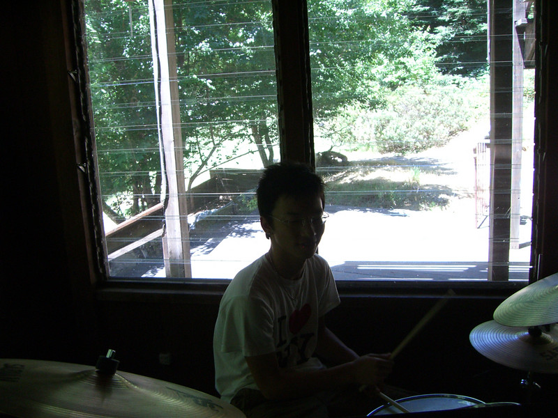 2006 07 08 Sat - Jimmy drums - backlit