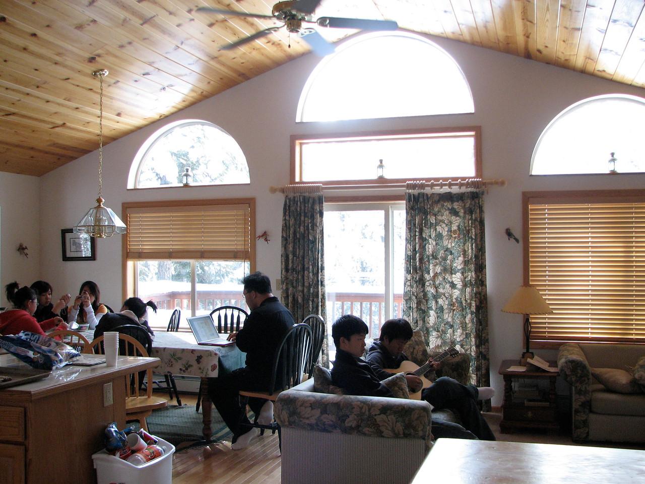 2006 12 23 Sat - Cabin living room