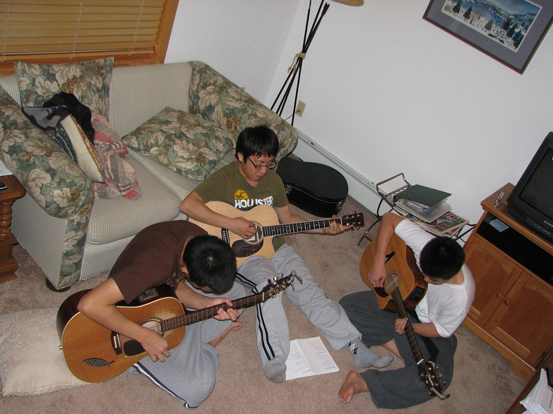 2006 12 22 Fri - Doug Kang, Junghan Kim, & Isaac Chu jamming 2 - with flash