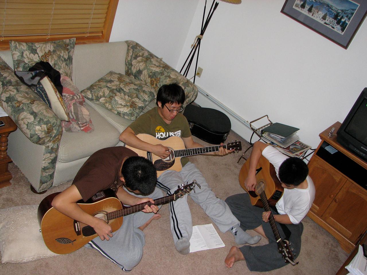 2006 12 22 Fri - Doug Kang, Junghan Kim, & Isaac Chu jamming 2 - with flash