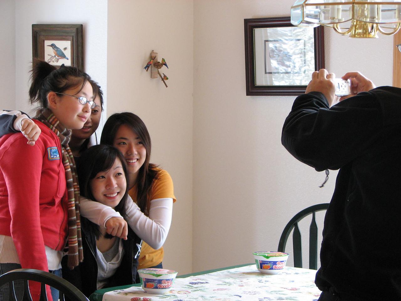 2006 12 23 Sat - Angela Hsu, Stacy Lee, Liz Lee, & Shinae Kim with pic taking Pastor Paul Lee