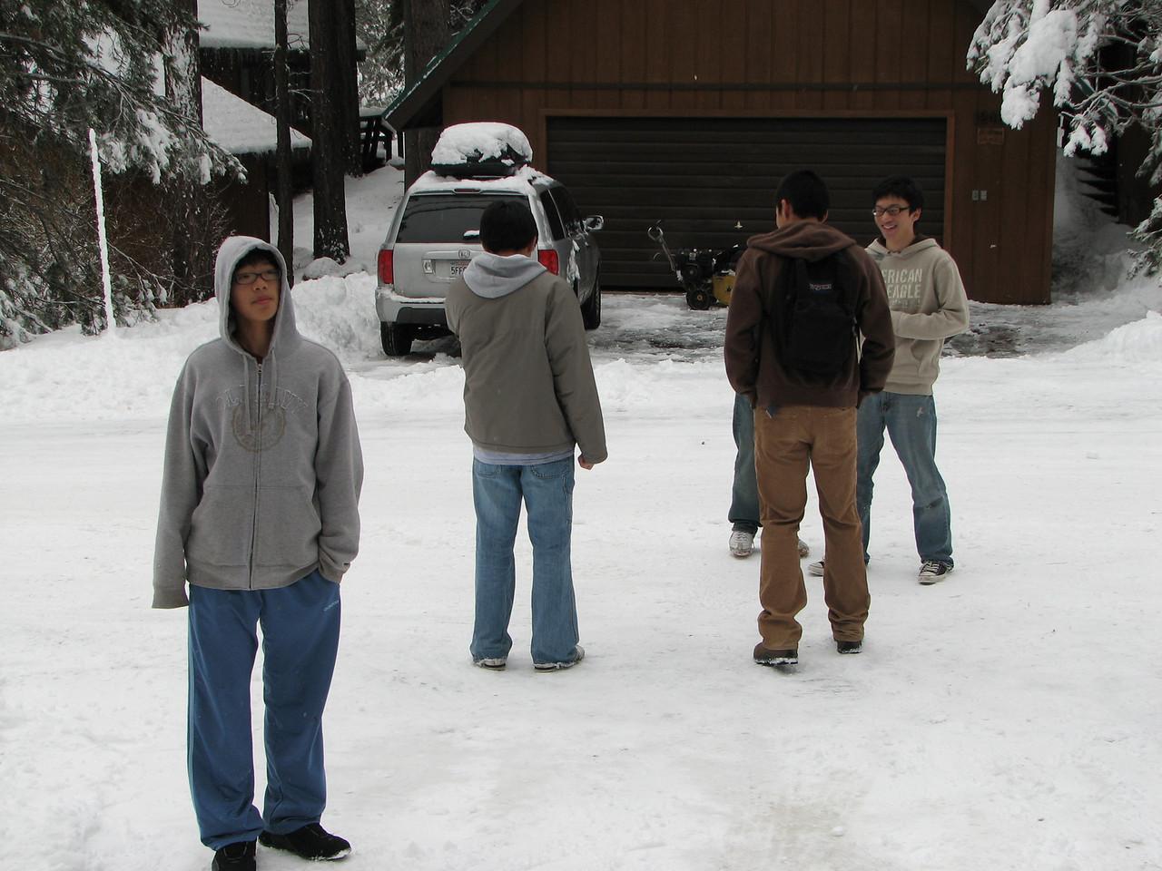 2006 12 23 Sat - Jeremy Hsu, Paul & Doug Kang, and Jimmy Lee outside