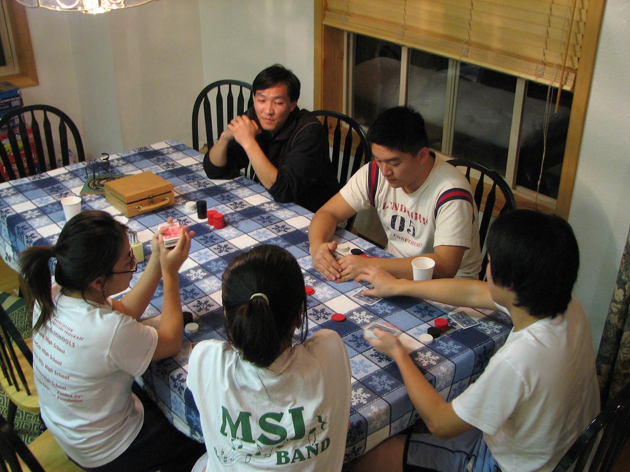 2006 12 22 Fri - Shinae Kim, Liz Lee, Mark Choi, Dan Tung, & Kai playing Texas Hold 'Em