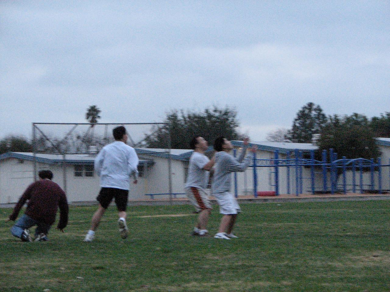 2006 12 31 Sun - Pastor Paul Lee & Paul Kang attempt to catch