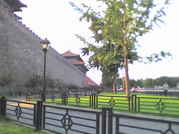 2006 08 15 Tue - Forbidden City wall, lampost, & trees