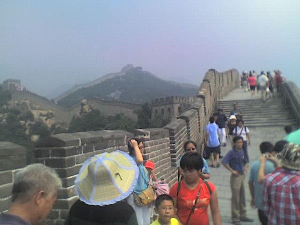 /Users/benyu/Pictures/2006 08 18 Fri - Ba Da Ling section of The Great Wall - Tourists & wall 1