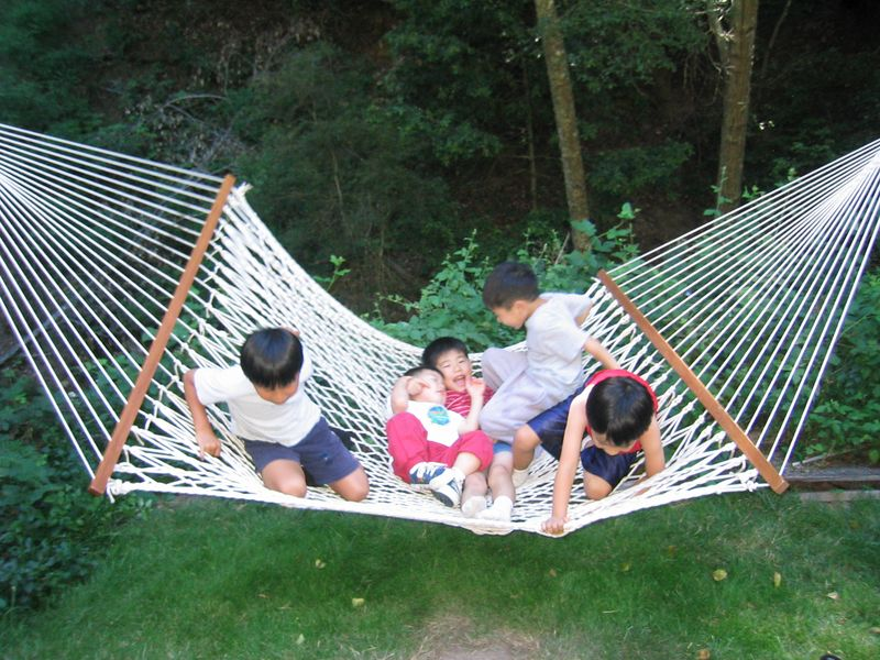 2005 07 09 Sat - CCSV kids in a hammock @ summer retreat 1