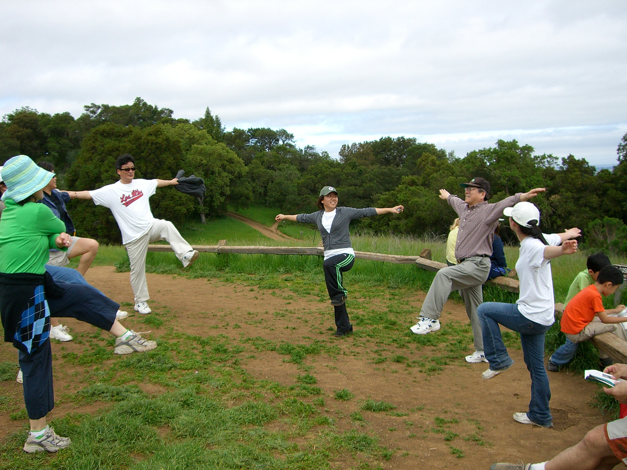 2006 04 29 Sat - CCSV hike - Baxon Kim leads Asian exercises 2