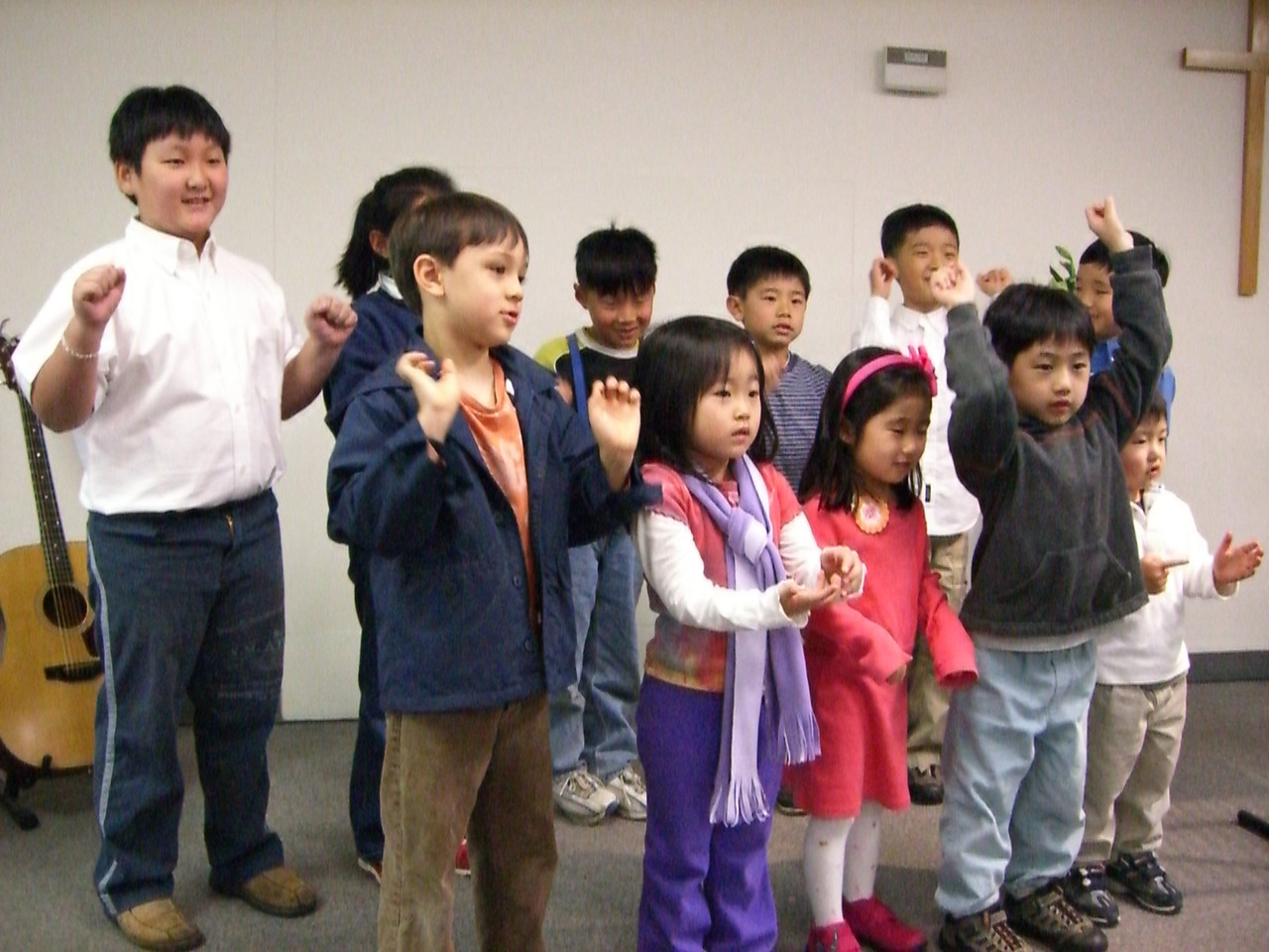 2006 04 16 Sun - Kids singing & signing 'Jesus Loves Me This I Know'