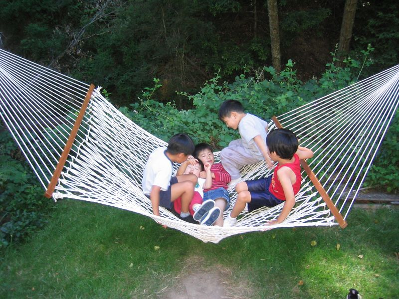 2005 07 09 Sat - CCSV kids in a hammock @ summer retreat 2