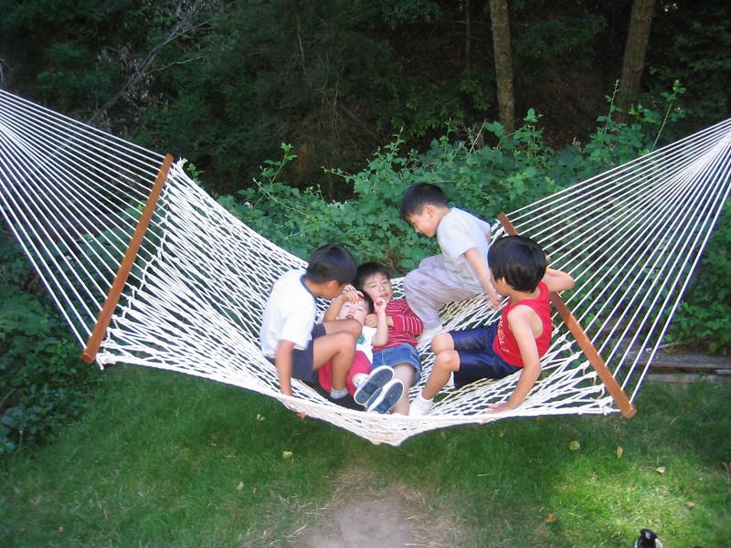 2005 07 09 Sat - CCSV kids in a hammock @ summer retreat 2
