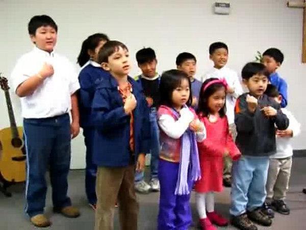 2006 04 23 Sun - CCSV children singing & signing