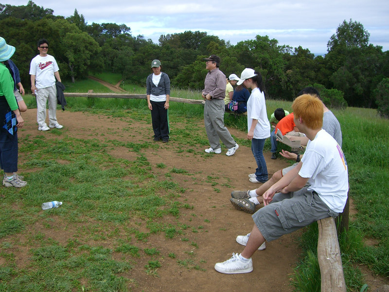 2006 04 29 Sat - CCSV hike - Baxon Kim leads Asian exercises 3