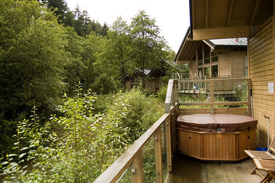 The Hot TubWe went for the slight more expensive cabin so we could get a hot tub.  Well worth the extra cost.