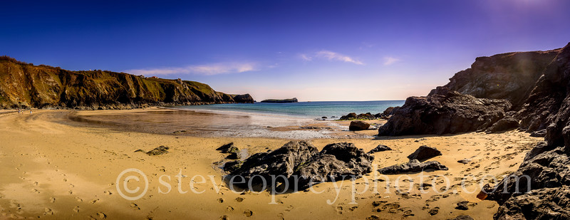 Mullion Cove Beach